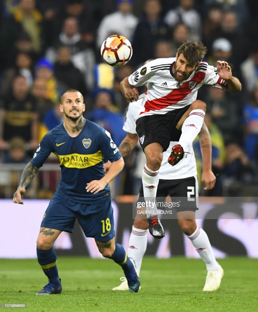 FBL-LIBERTADORES-RIVER-BOCA : News Photo