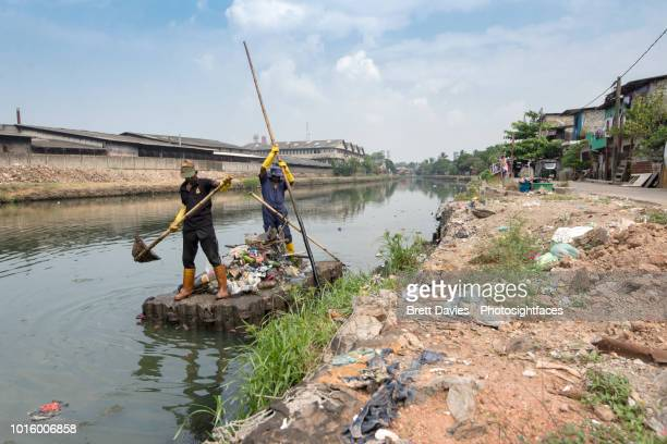 River pollution clean 3
