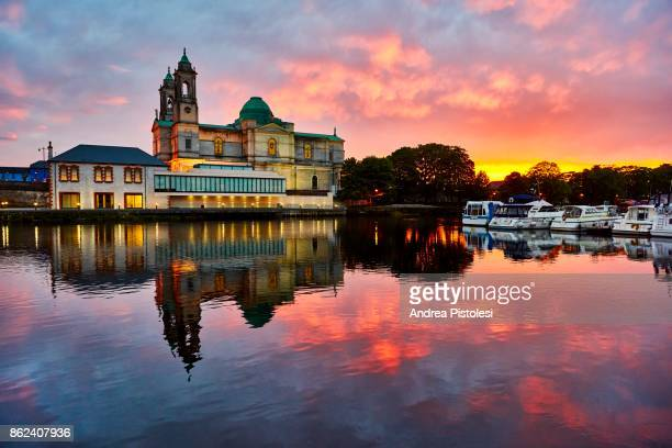 river shannon in athlone, ireland - republic of ireland stock pictures, royalty-free photos & images
