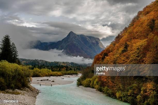 river soca close up,trenta valley,primorska, julian alps,slovenia, europe - eslovénia imagens e fotografias de stock