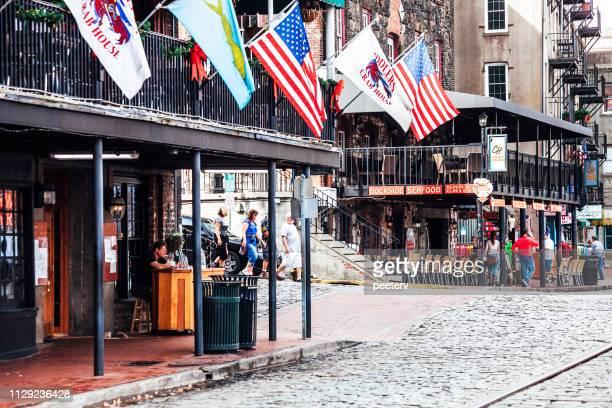 リバー ・ ストリート、サバンナ、ジョージア州 - ジョージア州サバンナ ストックフォトと画像