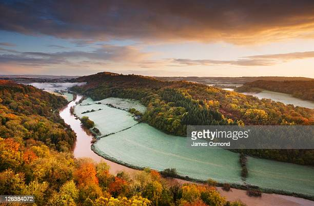 river wye from the yat rock viewpoint, symonds yat. herefordshire. england. uk. - autumn stock pictures, royalty-free photos & images