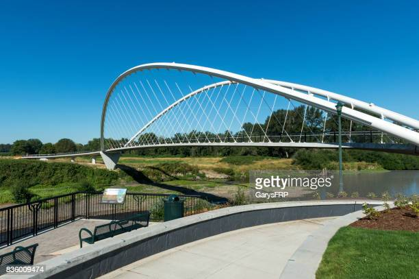 riverfront park minto island bridge in salem oregon - salem oregon stock pictures, royalty-free photos & images