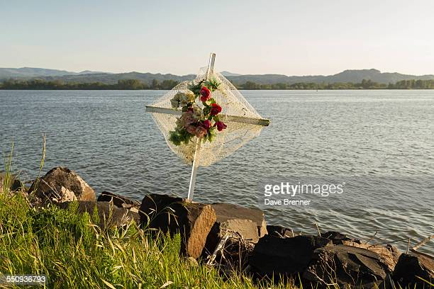 Riverside memorial