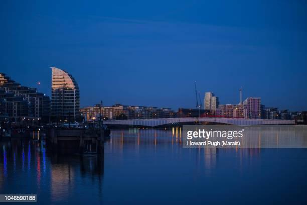 Riverside Sunrise. Architecture, Atmosphere & Urban Skyline