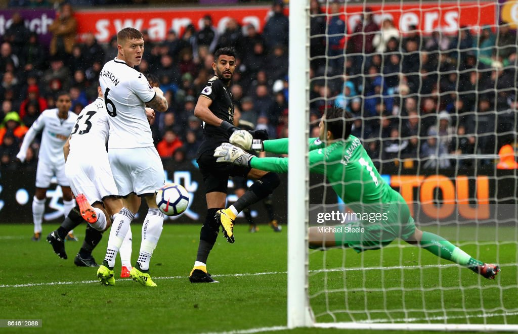 Swansea City v Leicester City - Premier League : News Photo