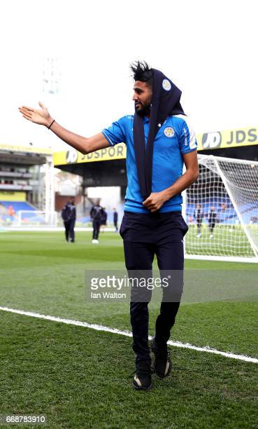 Riyad Mahrez of Leicester City takes a look around the pitch prior to the Premier League match between Crystal Palace and Leicester City at Selhurst...