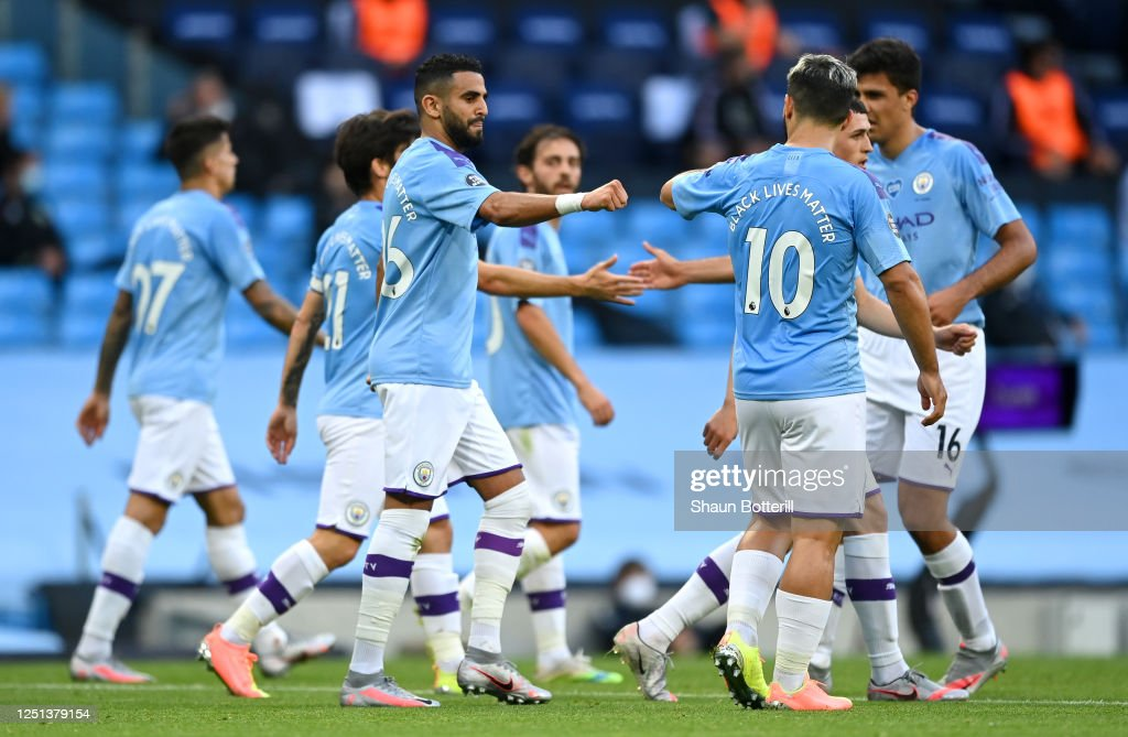 Manchester City v Burnley FC - Premier League : News Photo