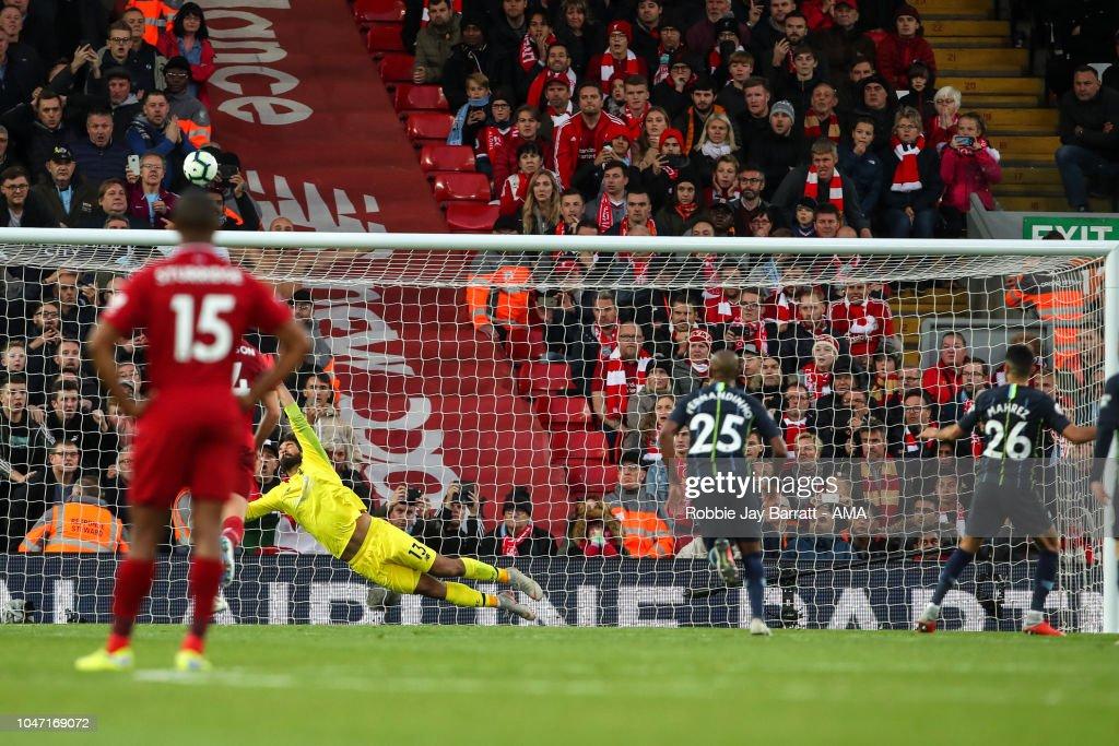 Liverpool FC v Manchester City - Premier League : News Photo