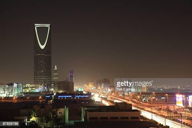 riyadh city skyline at night, saudi arabia - riyadh stock pictures, royalty-free photos & images