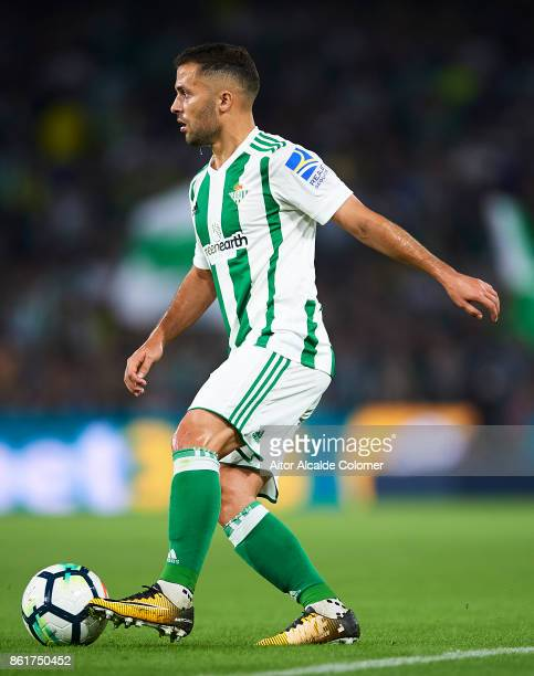 Riza Durmisi of Real Betis Balompie in action during the La Liga match between Real Betis and Valencia at Estadio Benito Villamarin on Octob