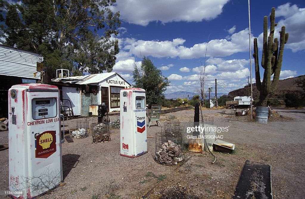 Chicago To Los Angeles On June 1st 1992 Abandoned Gas Station Near News Photo Getty Images