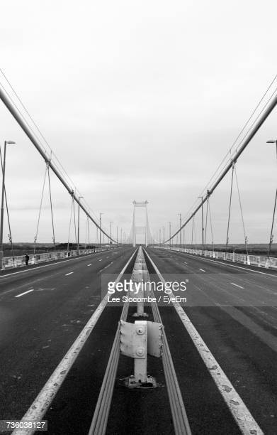 road against sky - severn river stock pictures, royalty-free photos & images