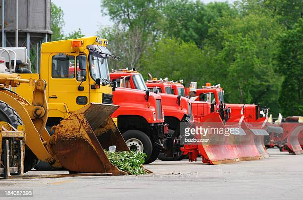 road contractor equipment vehicles - convoy stock pictures, royalty-free photos & images