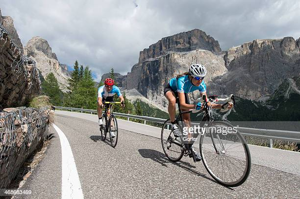 road cycling at the highest level - wielrennen stockfoto's en -beelden