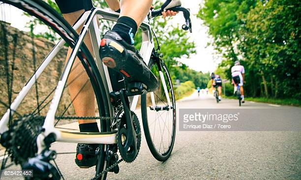 road cyclist from the road - wielrennen stockfoto's en -beelden