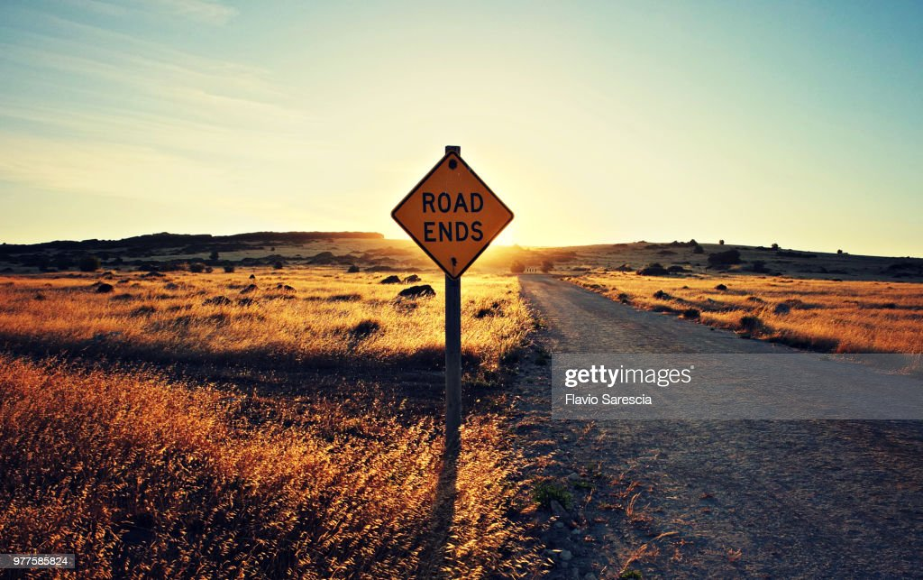 Road end sign on remote dirt road at sunset, Kangaroo Island, South Australia, Australia : Stock-Foto
