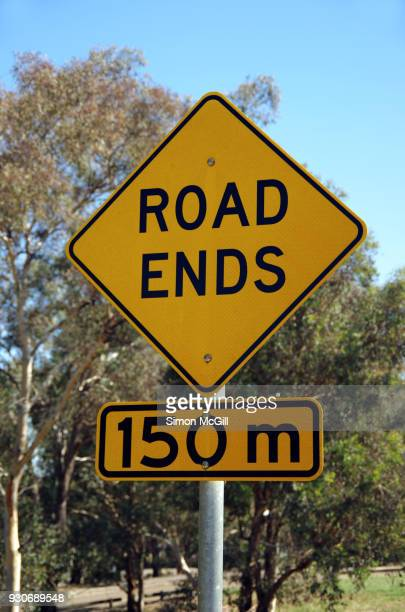 Road Ends in 150 metres signs