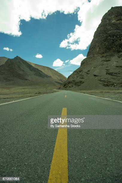 road in tibet - samantha stocks stock pictures, royalty-free photos & images