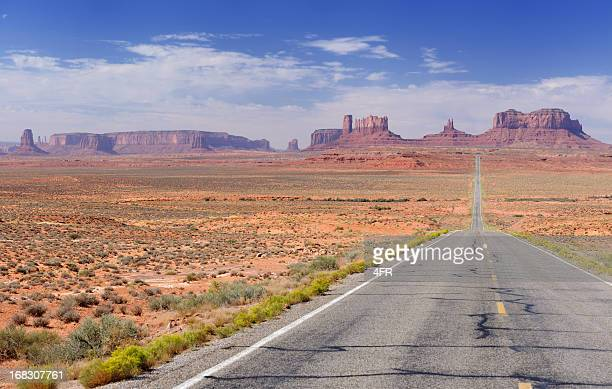 Road leading to Monument Valley (XXXL)