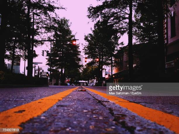 road passing through city - lafayette louisiana stock pictures, royalty-free photos & images