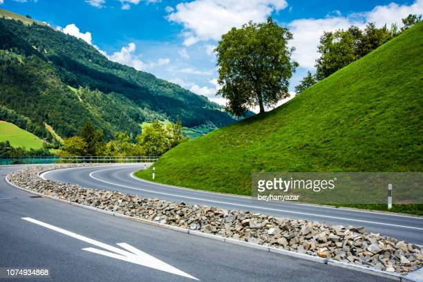 road - escarpment stock pictures, royalty-free photos & images