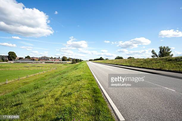 road - roadside stock pictures, royalty-free photos & images