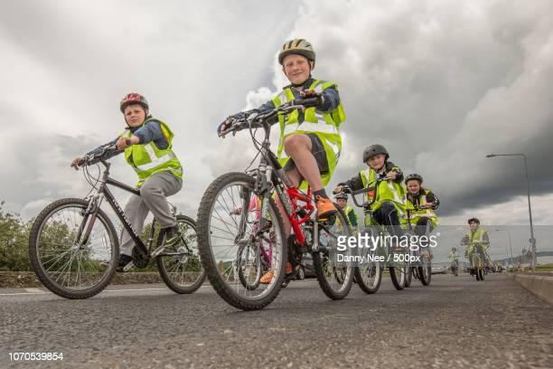 road safety - nee nee fotografías e imágenes de stock