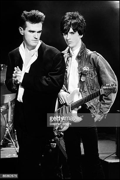 Photo of Johnny MARR and MORRISSEY and The Smiths Morrissey and Johnny Marr posed on set of BBC Oxford Roadshow