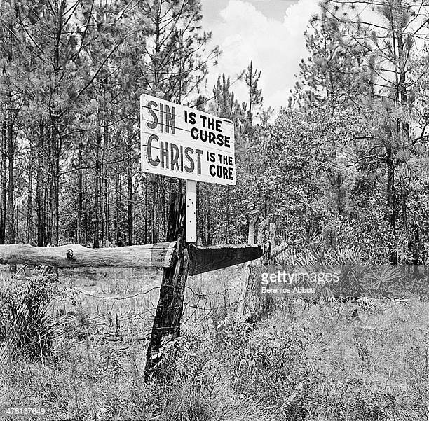 A road sign along US Route 1 United States 1954