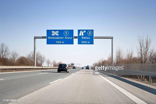 Señal en alemán autobahn la A66