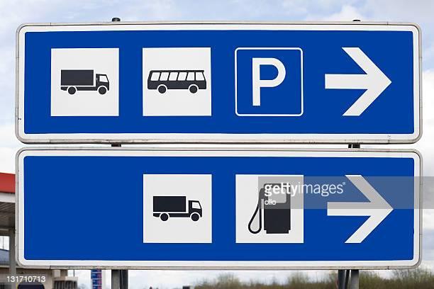 Signalisation routière, espace spécial pour les camions et les bus