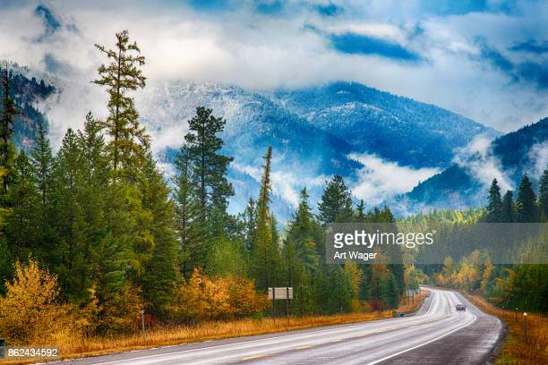 road through western montana - montana western usa stock pictures, royalty-free photos & images