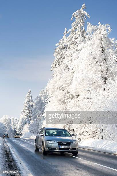 road の冬のワンダーランド - アウディ ストックフォトと画像