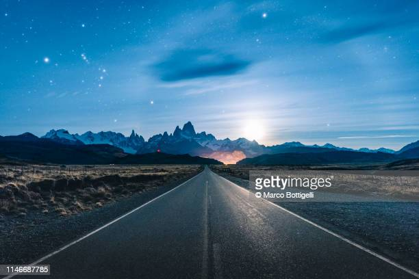road to el chalten and mt fitz roy, patagonia, argentina - moonlight stock pictures, royalty-free photos & images