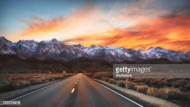 Road to Lone Pine, California, America, USA