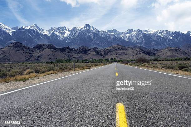 road to mt.whitney - lone pine california stock pictures, royalty-free photos & images