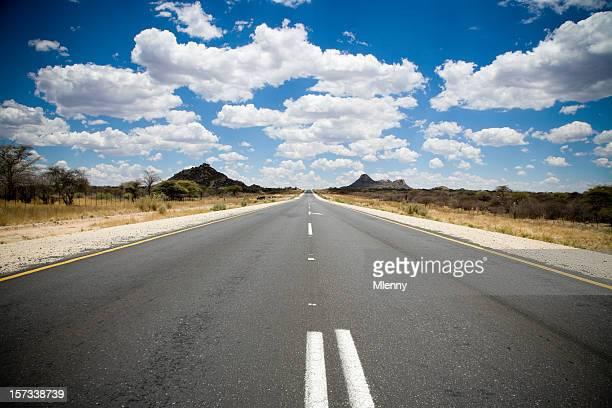 road を見る - 散歩道 ストックフォトと画像