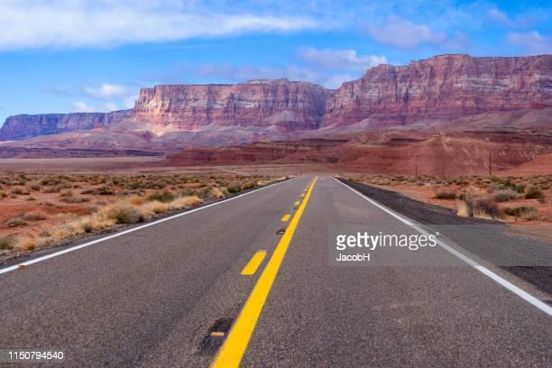 road to vermilion cliffs - vermilion cliffs stock pictures, royalty-free photos & images