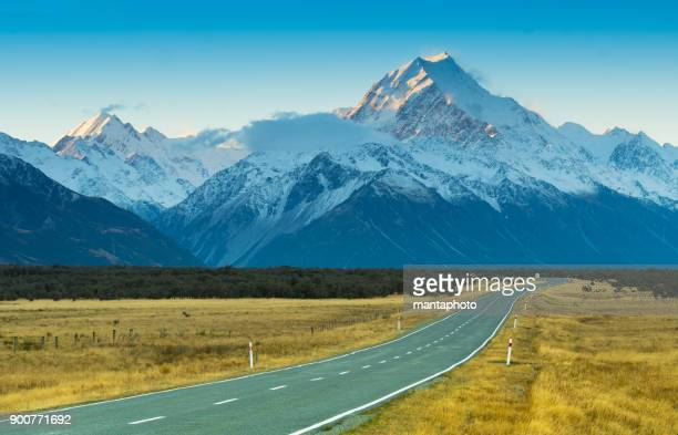 Road toaward Mount Cook, New Zealand