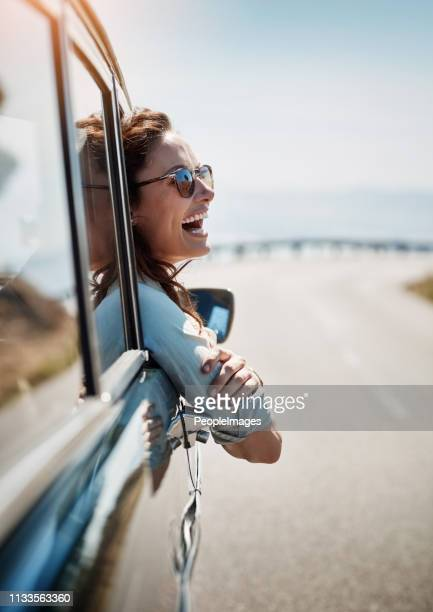 road trips put me in a happy mood - travel foto e immagini stock