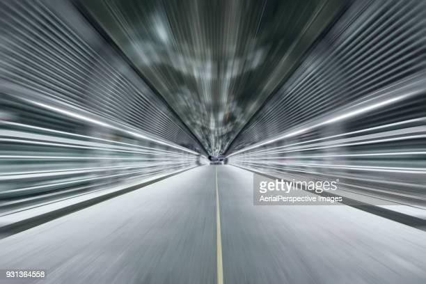 road tunnel - 境界線 ストックフォトと画像