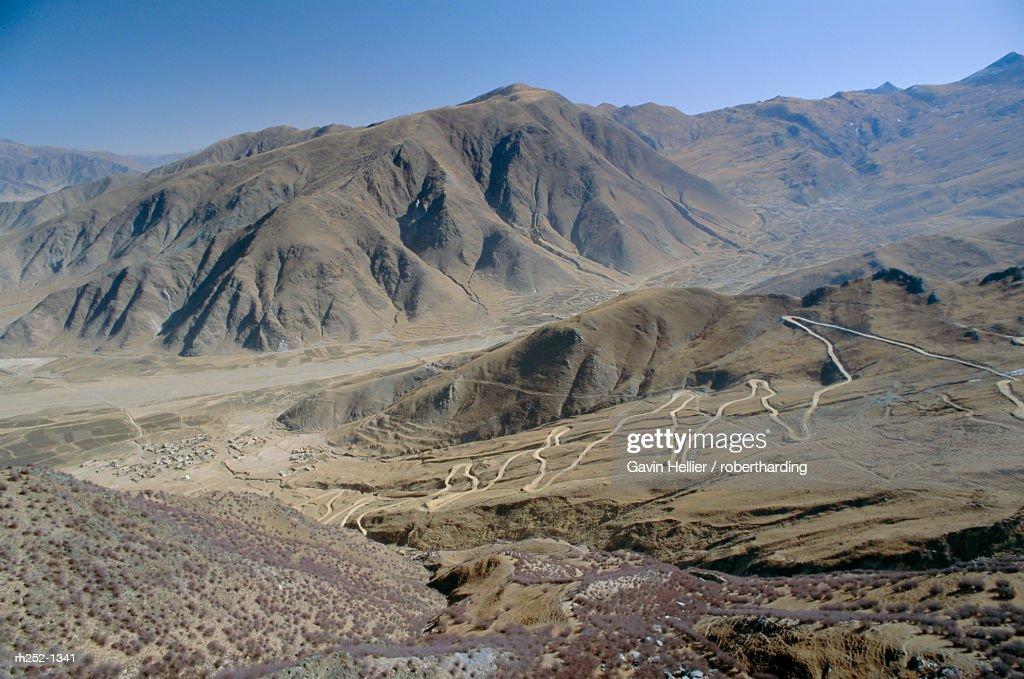 Road up to Ganden monastery, Tibet, China, Asia : Stockfoto