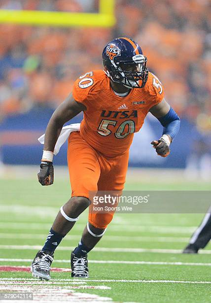 Roadrunners defensive end Robert Singletary during a NCAA Division I football game between the Arizona Wildcats and the UTSA Roadrunners in the...