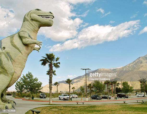 CONTENT] Roadside attraction of a Tyrannosaurus rex sculpture