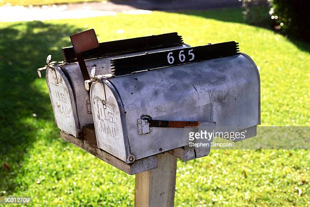 roadside mailboxes - domestic mailbox stock pictures, royalty-free photos & images