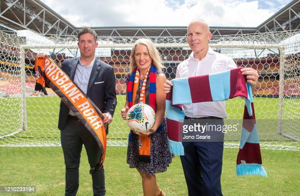 Roar coach Robbie Fowler QLD Minister Kate Jones and former West Ham player and sports commentator Robbie Slater pose during an International...