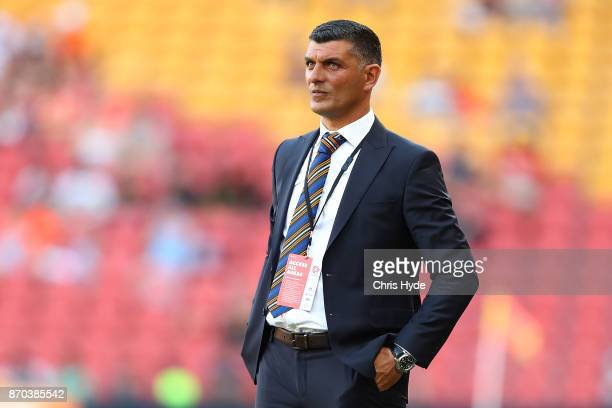 Roar coacj John Aloisi looks on during the round five ALeague match between the Brisbane Roar and the Central Coast Mariners at Suncorp Stadium on...