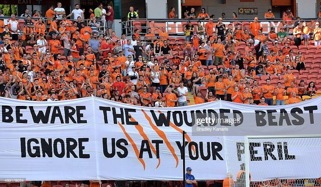 A-League Rd 2 - Brisbane v Central Coast : News Photo