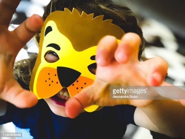 roar - mascara carnaval imagens e fotografias de stock